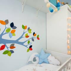 Un bosque para Rubén.: Dormitorios infantiles de estilo  de RoomRoomBebé