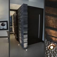 TREVINO CHABRAND Taller de Arquitectura: Salas de estilo  por TREVINO.CHABRAND | Architectural Studio