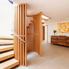 Gwel an Treth, Sennen Cove   Cornwall:  Corridor & hallway by Perfect Stays, Modern