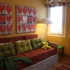 Sala de estar: Salas multimedia de estilo ecléctico de DECOROCONMUCHOGUSTO
