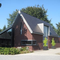Woonhuis Gilze: landelijke Huizen door VAN BEIJSTERVELDT & GOMMERS ARCHITECTEN
