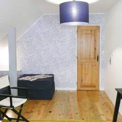Casa no Gerês Quartos de criança campestres por LOFTAPM II DESIGN DEC INTERIORES LDA Campestre Papel