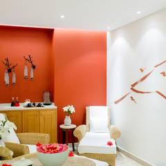 Casa Velas / Velas Resorts: Spa de estilo  por MC Design, Ecléctico Madera maciza Multicolor