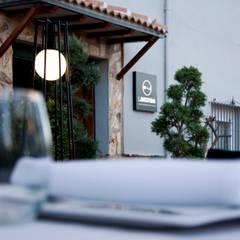 LA VESTIDA restaurante: Locales gastronómicos de estilo  de ACTUALIA Formas d Habitar