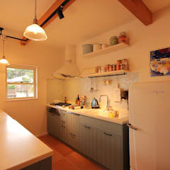 Kitchen by THE MAKER'S&United Space Architect