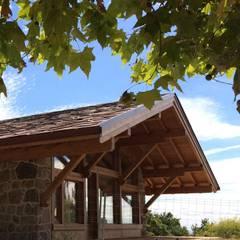 Promoción en Bustarviejo, Madrid: Casas de estilo rural de Manuel Monroy, arquitecto