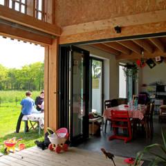 Anexos de estilo  por LAUS architectes, Rural