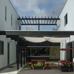 伊豆大島の家: 竹田廉太郎建築設計室が手掛けた家です。