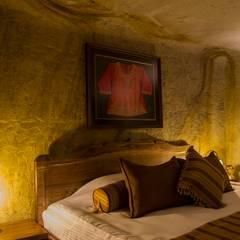Kayakapi Premium Caves - Cappadocia – Emine Hanım evi Öncesi ve Sonrası:  tarz Yatak Odası
