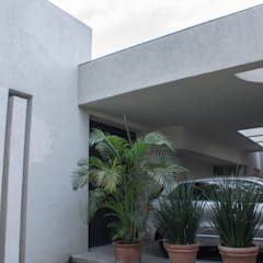 Cochera: Garajes de estilo ecléctico por CH Proyectos