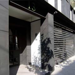 Houses by Boué Arquitectos, Modern