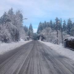 Nevicata: Giardino d'inverno in stile  di immobiliare sublacense