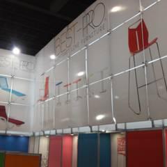 EXPO ESPACIO: Centros de exhibiciones de estilo  por SINDO OUTDOOR