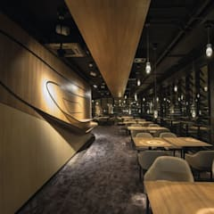 Restaurant Symphonie:  Messe Design von EGGER Wood-based materials