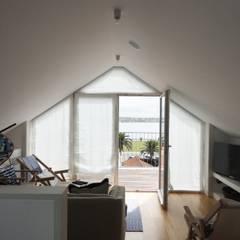 Sala de estar: Salas de estar  por GAAPE - ARQUITECTURA, PLANEAMENTO E ENGENHARIA, LDA