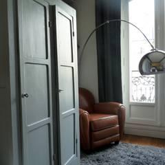 Rénovation & Décoration chambre d'une ado: Chambre de style  par Thomas JENNY