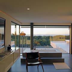 Casa de Banho com Vista: Casas de banho  por guedes cruz arquitectos