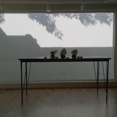 Benjamin Moore México: Cavas de estilo minimalista por VIVAinteriores
