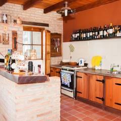Vivienda en Mayu Sumaj: Cocinas de estilo  por Abitar arquitectura
