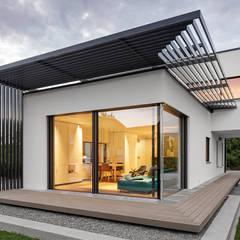 Modern balcony, veranda & terrace by Lopez-Fotodesign Modern
