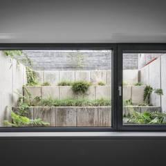 Garden by Corneille Uedingslohmann Architekten