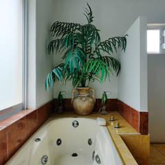 CASA UVIÑA: Spa de estilo  por Excelencia en Diseño, Colonial Compuestos de madera y plástico