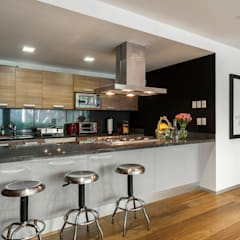 Kitchen by MAAD arquitectura y diseño,