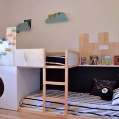 Lavori: Stanza dei bambini in stile  di Home Lifting