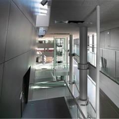 Centro Direzionale Interporto di Trento: Centri congressi in stile  di mauroFACCHINIarchitects