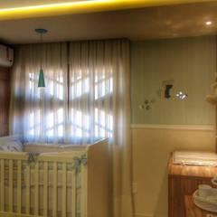 Baby room by Duecad - Arquitetura e Interiores, Rustic
