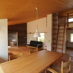 اتاق غذاخوری توسط加藤武志建築設計室, اکلکتیک (ادغامی) چوب Wood effect