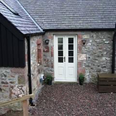 Cottars House, Edzel, Angus:  Windows  by Roundhouse Architecture Ltd