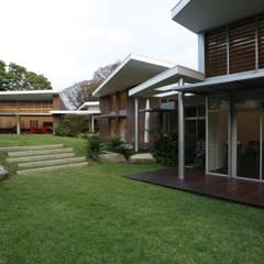 Casa BA: Jardines de estilo  por oda - oficina de arquitectura