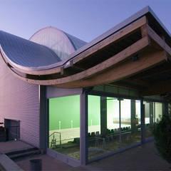 Fronton en Zizurkil: Estadios de estilo  de AZ ARKITECTOS, Moderno