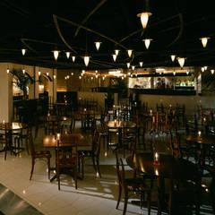 LA BOHEME QUALITA 渋谷店: DESIGN LABEL KNOTが手掛けたレストランです。