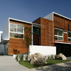 Houses by Echauri Morales Arquitectos, Minimalist