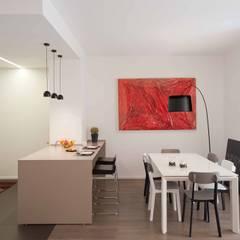 architetto Lorella Casola: minimal tarz tarz Yemek Odası