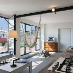 Terrace by architetto Lorella Casola