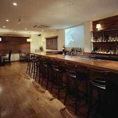 BAR CRUISE: DESIGN LABEL KNOTが手掛けたバー & クラブです。