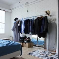 90平米のワンルーム: HOUSETRAD CO.,LTDが手掛けた寝室です。,インダストリアル