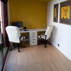Reforma Integral Duplex, Madrid: Estudios y despachos de estilo  de Irene Corralo