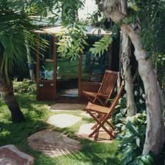 Jardins Naturais: Spas  por Junia Lobo Paisagismo