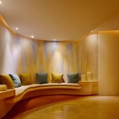GRAND VELAS RIVIERA NAYARIT / VELAS RESORTS.: Spa de estilo  por MC Design, Ecléctico Algodón Rojo