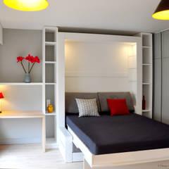Côté Lit...: Chambre de style  par K Design Agency
