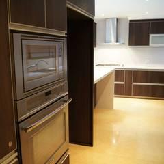 Cocina : Cocinas de estilo clásico por MARECO DESIGN S.A.S