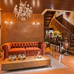 ESTAR DE BOAS-VINDAS - Mostra Morar Mais: Salas de estar  por Estúdio Pantarolli Miranda - Arquitetura, Design e Arte,