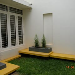 Prashanth's Residence:  Garden by ICON design studio