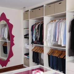 Dressing room by STİLART MOBİLYA DEKORASYON İMALAT.İNŞAAT TAAH. SAN.VE TİC.LTD.ŞTİ.,