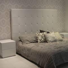 BALUARTE: Habitaciones de estilo clásico por RCRD Studio