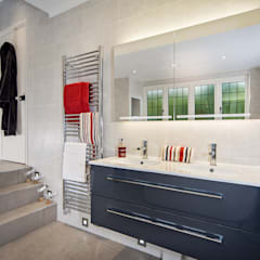 Mr & Mrs D Bathroom, Woking, Surrey: modern Bathroom by Raycross Interiors